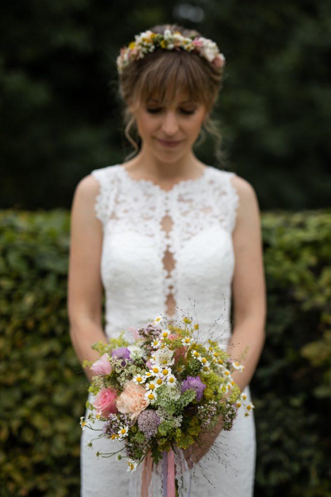 Bindestelle Blumen und Blumenschmuck für ihre Hochzeit - Foto: Michaela Grössinger